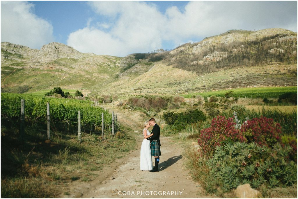 Grant & Kate - Cape Point Vineyards - Coba photography (98)